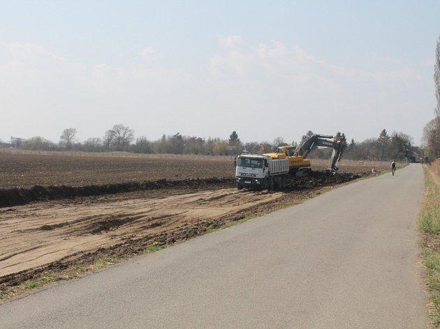 Stavba D49 od Hulína do Fryštáku, která má vést na Valašsko a napojit se na slovenskou dálniční síť k Púchovu, se již připravuje.