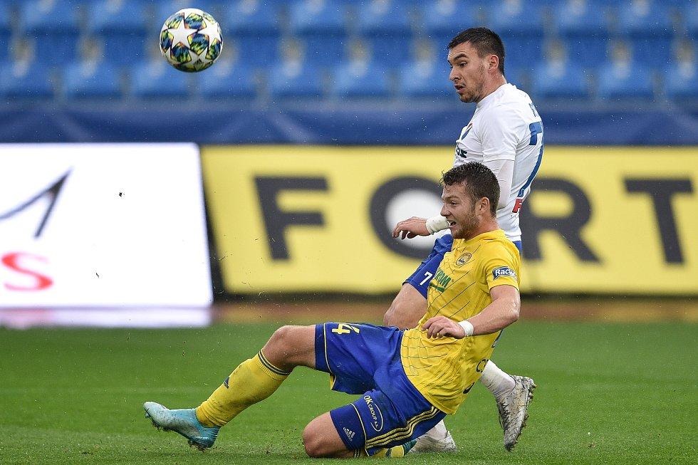 Utkání 12. kola první fotbalové ligy: Baník Ostrava - Fastav Zlín, 5. října 2019 v Ostravě. Na snímku (zleva) Rudolf Reiter a Martin Cedidla.