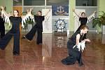 Studenti i pedagogové UTB si svůj první námořnický bál náležitě užili.