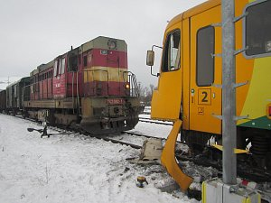 V Brumově - Bylnici se střetl osobní a nákladní vlak