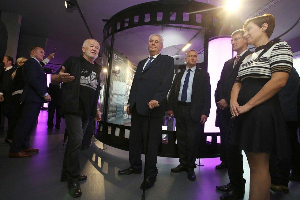 Návštěva prezidenta Miloše Zemana ve Zlínském kraji.  Filmový uzel.