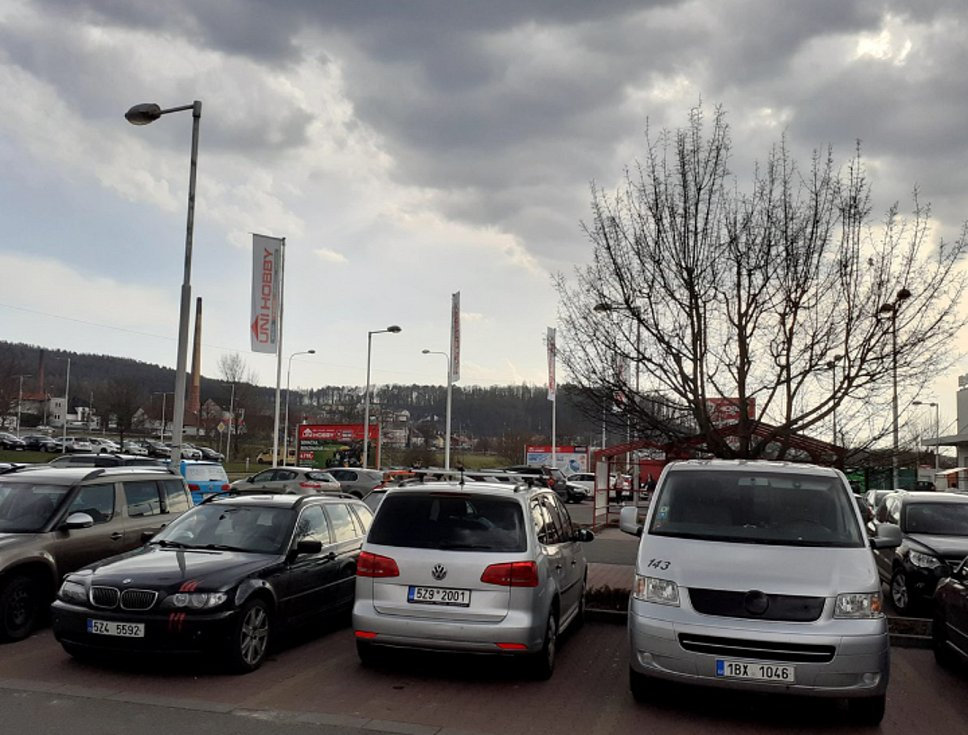 Ve čtvrtek odpoledne bylo v supermarketech ve Zlíně klid.