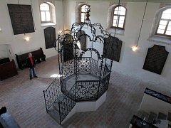 Šachova synagoga v Holešově.