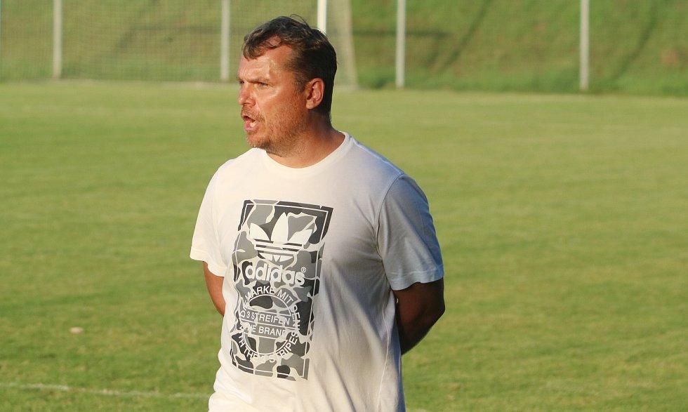 Hlavní trenér Otrokovic Roman Matějka.