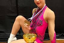 Otrokovická Bára Karlíková si připsala další významný úspěch v kariéře. Reprezentantka České republiky získala na Slovak Aerobic Open 2019 zlato v singlu i bronz v pětici.