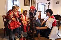 Živé dřevěnice plné řemesel, tradic, písniček i valašských dobrot.