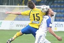 Fotbalisté Zlína (ve žlutém) ve 23. kole Fotbalové národní ligy hostili v sobotu doma Znojmo.