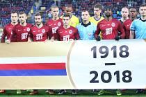 Prvoligové fotbalisté Fastavu Zlín (ve žlutém) ve 13. kole doma hostili pražskou Spartu.
