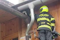 Záchrana kočky v Luhačovicích trvala hasičům pár minut