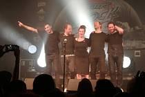 Marta Jandová spolu se svojí německou kapelou Die Happy na pódiu Masters of Rock Café ve Zlíně