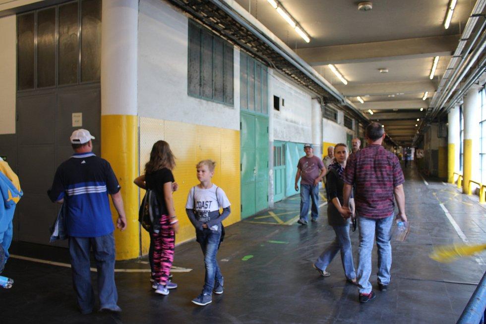 Continental Barum přivítal návštěvníky. Na den otevřených dveří jich přišly tisíce.