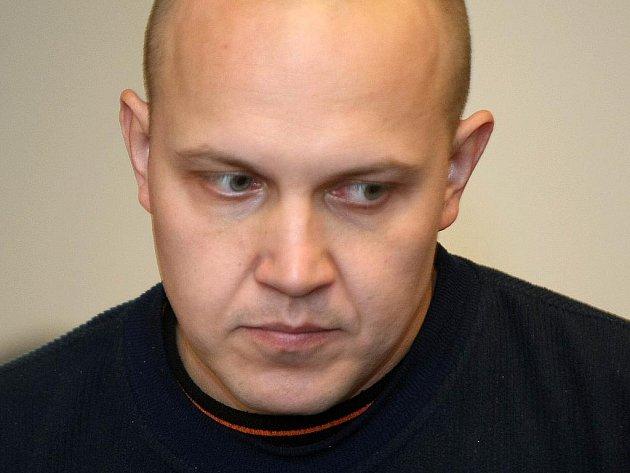 Zavraždil skutečně před čtyřmi a půl lety třiatřicetiletý Martin F. svou matku?