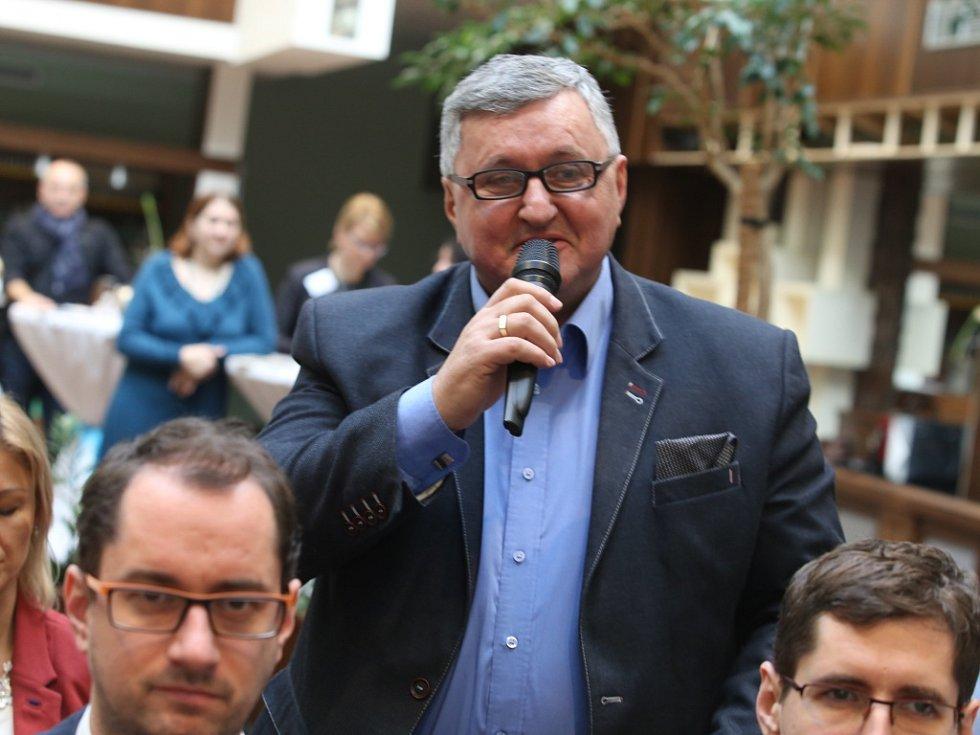 Akce Deník s vámi, panelová diskuze s hejtmanem Zlínského kraje. Bystrík Denkocy