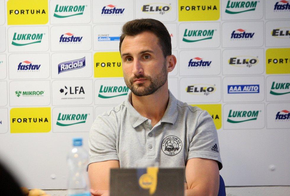 Fotbalisté Zlína chtějí v jarní části FORTUNA:LIGY udržet pozici v elitní šestce. Na snímku kapitán Petr Jiráček.