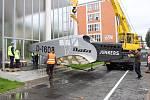Model letadla přivezla do Zlína olomoucká společnost TechProAviation, z jejíž dílny vzešlo.