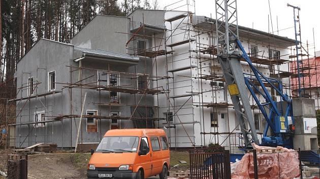 Výstavba sociálního bydlení v Horní Lhotě.