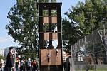 Hasiči ve sportovních úborech ve čtvrtek obsadili otrokovický stadion Jiskra. Konalo se tady totiž krajské kolo soutěže v požárním sportu. A to dokonce jubilejní desátý ročník.