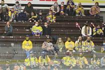 Fanoušci na zimním stadionu Luďka Čajky ve Zlíně. Ilustrační foto