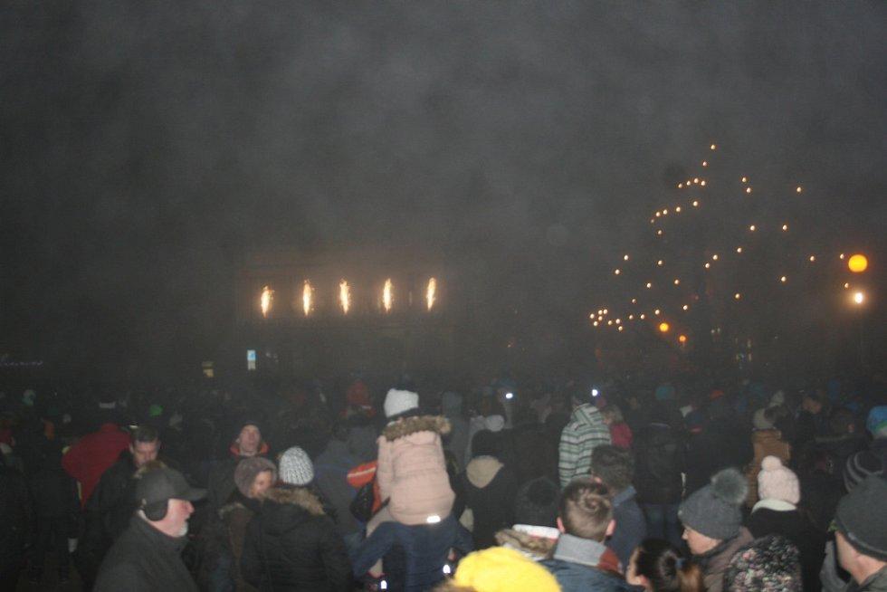 Ohňostroj se ve Zlíně schovával za hustou mlhu