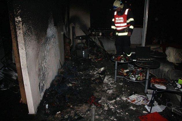 Požár bytu v panelovém domě na Jižních Svazích ve Zlíně.