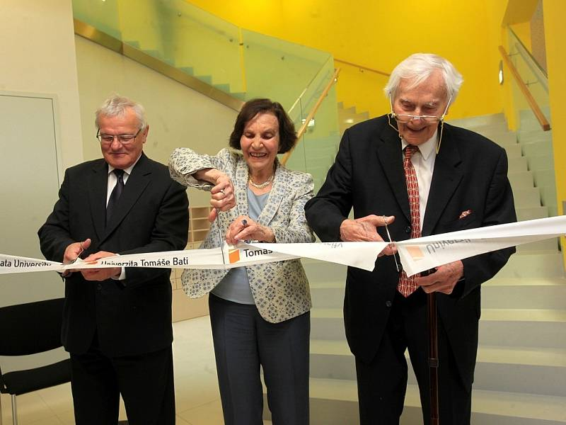 Slavnostní otevření budovy Centra polymerních systémů ve Zlíně.