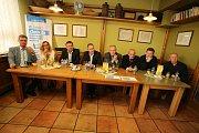 DENÍK-bus vezl lídry za voliči