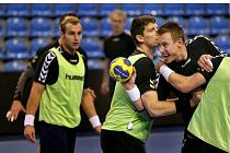 Česká házenářská reprezentace na čele s Filipem Jíchou (s míčem) v pondělí 25. října poprvé společně trénovala ve Zlíně před kvalifikačním zápasem s Řeckem.