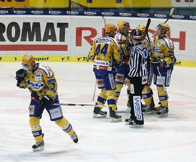 Extraligoví hokejisté Zlína hostí ve 45. kole extraligy pražskou Spartu.