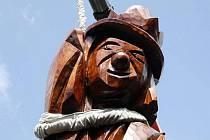 Novou atrakcí se letos pochlubí Vizovice, město slivovice a švestkových knedlíků. Na festivalu Trnkobraní, který bude za dva týdny, odhalí organizátoři dřevěnou sochu valašského krále Bolka Polívky.