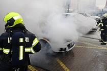 Ve Zlíně hořelo zaparkované vozidlo SUZUKI.