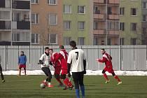 Fotbalisté Břestu na zimním turnaji v Chropyni deklasovali Vlkoš 9:3. Skvělá svačinka v podobě česnekové sláma probudila i největší ospalce.