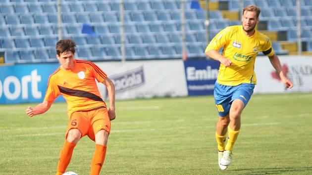 Fotbalisté Zlína (ve žlutém) remizovali s Frýdkem-Místkem 2:2.