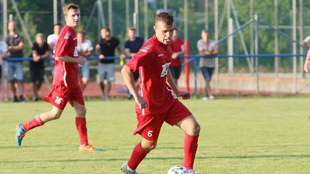 Fotbalisté Slavičína (v červeném) se ideálně naladili na start nového ročníku divize E.