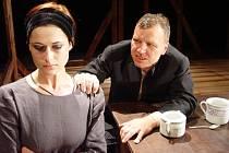 ALEXANDRA VRONSKÁ A KAMIL PULEC. Mladí herci Slováckého divadla v Uherském Hradišti překvapují v některých inscenacích svým uměleckým projevem.