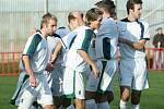 Hráči Viktorie Otrokovice (v bílém) porazili v sobotním utkání Napajedla vysoko 4:2