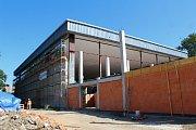 Oprava Městské sportovní haly v Otrokovicích je v plném proudu.