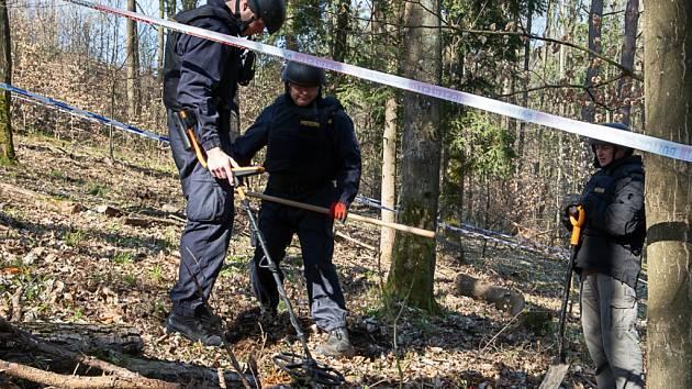 Ve Vrběticích policie pokračuje v ohledání druhého místa výbuchu