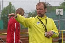 Hokejisté PSG Zlín na fotbalovém hřišti. Rostislav Vlach.