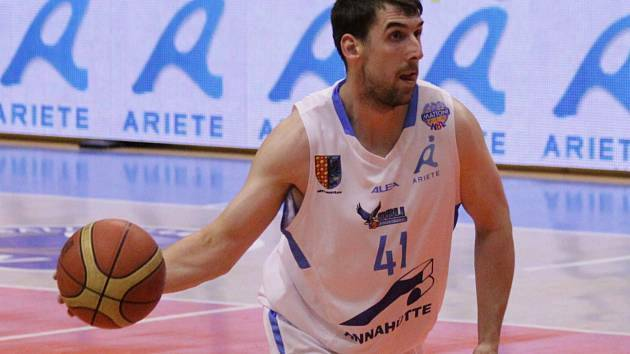Jaroslav Prášil ještě v dresu Brna, kde působil dva roky. Od sezony 2016 je důležitou postavou zlínských basketbalistů.