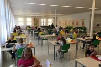 I stravování škola zabezpečila v souladu s přísnými epidemiologickými opatřeními.