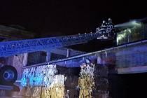 Požár střechy v průmyslovém objektu Toma a.s. v Otrokovicích na Zlínsku