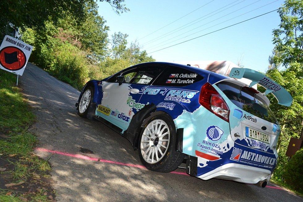 Piloti soutěžních vozů se připravovali v okolí Vizovic na Barum Rally
