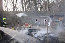 Statečný řidič se snažil sám uhasit požár