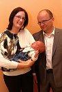 Vítání občánků 24.4.2015 na radnici ve Zlíně. Aleš a Silvie Kučerovi se synem Adamem