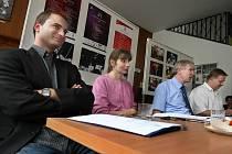 Na tiskové konferenci ve středu 16. září představilo veddení Filharmonie Bohuslava Martinů ve Zlíně program začínající 64. sezóny. Na snímku (zleva) manažer Tomáš Gregůrek, dramaturgyně Jindříška Keferová a ředitel Josef Němý.