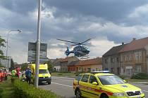 V Tlumačově vypadlo z okna tříleté dítě, to muselo být letecky transportováno do brněnské nemocnice.