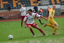 Utkání fotbalové národní ligy: FK Baník Sokolov - FC Fastav Zlín (v bílém).