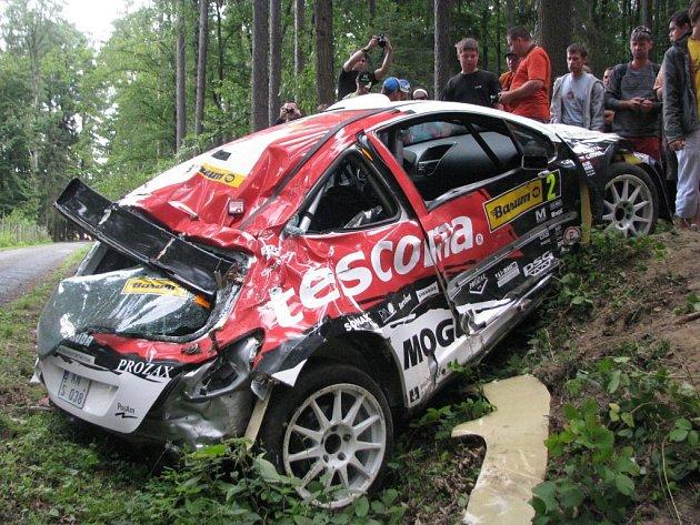 Rozbité auto Romana Kresty