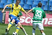 Tomáš Poznar (ve žlutém)