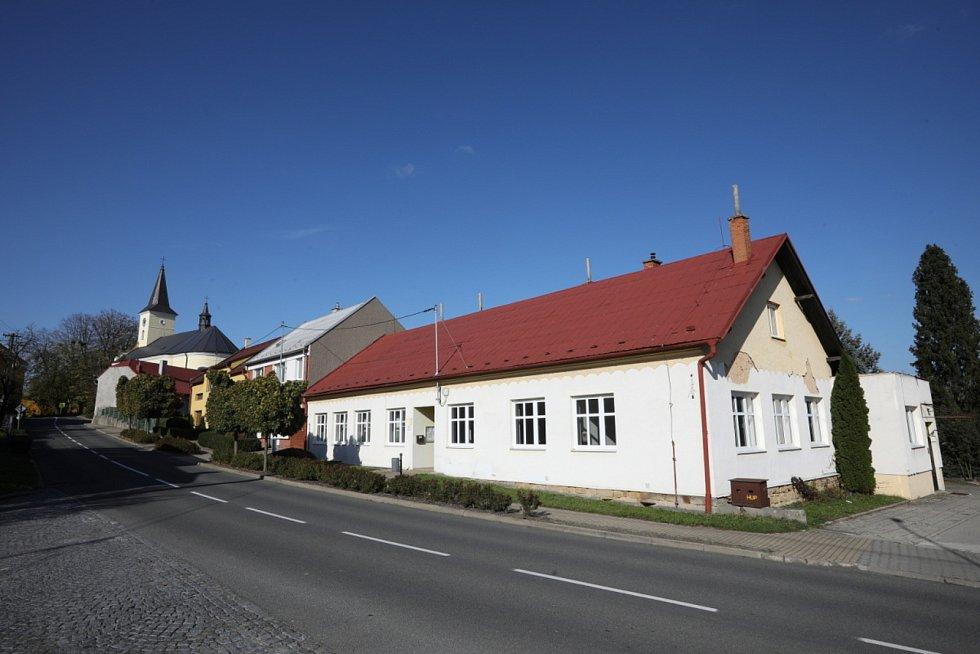 Obec Mysločovice. Bývalé zdravotní středisko.